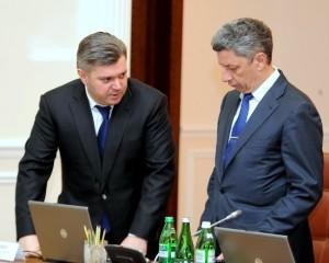 Енергетичний міністр Едуард Ставицький (зліва) та його попередник Юрій Бойко.