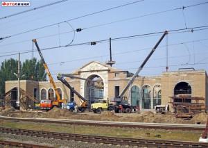 Залізничники почали самотужки ремонтувати вокзал ще до того, як підряд на ці роботи було віддано приватній фірмі.