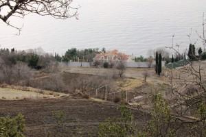 """""""Чайний будинок"""", вид  з гори через винищені виноградники """"Магарача"""""""
