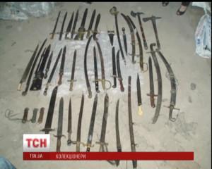 Після втечі Пшонки у його будинку знайшли старовинну зброю, конфісковану у колекціонера в рамках карної справи.