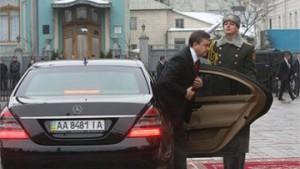 """Цей """"мерседес"""" Януковича з урахування амортизації коштує 3 мільйони гривень."""