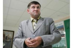 Олександр Лазорко з 2009 року очолює державне ПАТ «Укртранснафта». Раніше очолював правління НПК «Галичина» з групи «Приват».