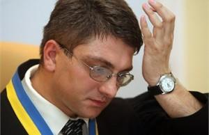 Суддя печерського районного суду Родіон Кірєєв посадив у тюрму Юлію Тимошенко і відпустив хабарника, взятого на горячому.