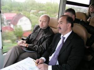2008 рік. Олексій Кривопішин з першим віце-премєром Олександром Турчиновим. У 2014 році таких фото ще не публікували.