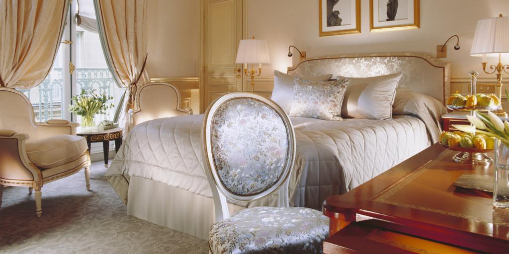 Так виглядає найдешевший номер у паризькому готелі «Le Meurice», у якому охоронцям Януковича знімали номери по 680 євро за добу.