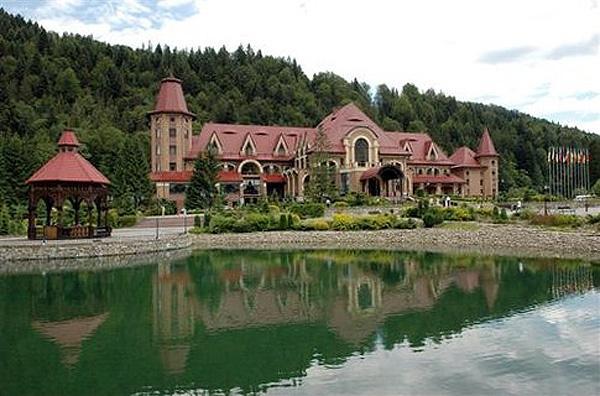 Карпатська резиденція для Кучми вартістю 1,3 млрд грн.