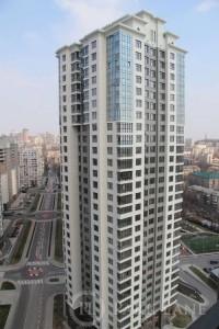 Чмирь має житло у цьому будинку по вул.Драгомирова, 7 на Печерську.