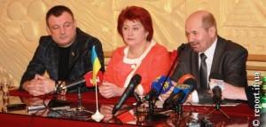 Анатолій Дирів зліва від Шлемка.