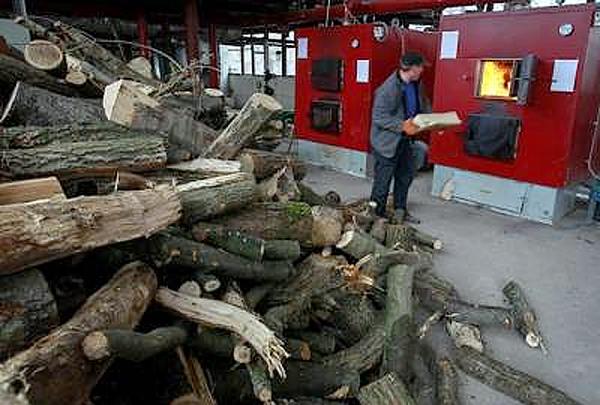 Котельня на дровах, вид зсередини.
