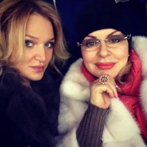 Алла Добкіна з бабусею Алою