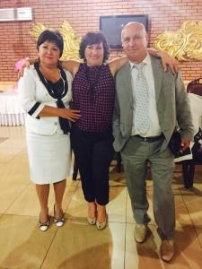 Світлана Шаповалова (по центру) з батьками