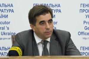 Відповідальним за розвал справи проти Юри Єнакіївського є замгенпрокураора Юрій Столярчук, у якого в Єнакієве є рідня по лінії дружини.