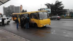 На маршрут №7 фірма-перевізник ще з початку року запустила нові автобуси. Фото автора