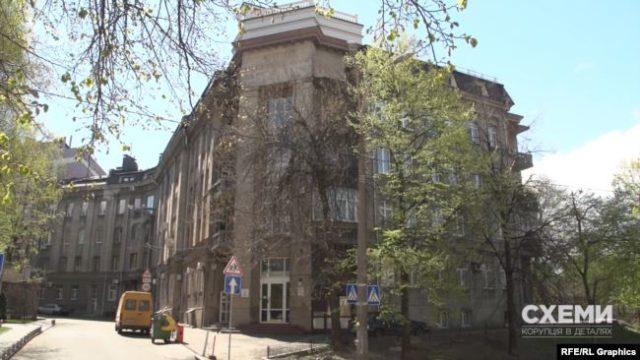 Генпрокурор Венедіктова з чоловіком мешкають в чужій незадекларованій квартирі (фото)