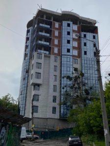 Незаконну 11-поверхівку на ділянці Білозір знову арештовано
