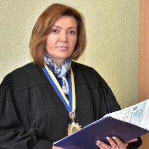 Суддя зобов'язала  АМКУ розглянути заяву споживачів електрики про зимовий шантаж енергетиків Ахметова