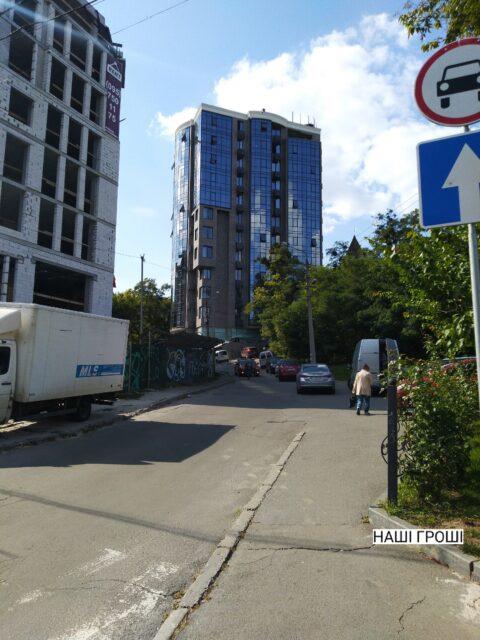 Благодаря суду 11-этажка на участке Билозир, которую по документам построили всего за 6 дней, снова введена в эксплуатацию