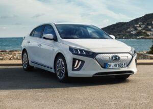 Минфин обзавелся электромобилями Hyundai Ioniq на 2,1 млн грн